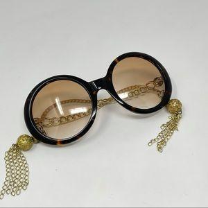 House of Harlow 1960 Sasha Sunglasses in Tortoise